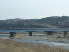 多摩川から桜ヶ丘CC、米軍多摩ヒルズを望む~(^_^)/