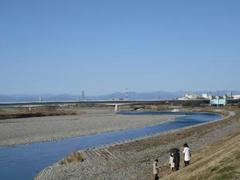 多摩川と富士山