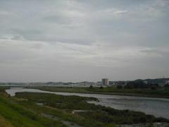 黄昏時の多摩川