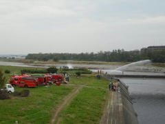 多摩川・放水訓練