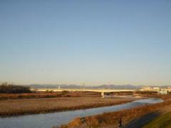 朝日に映える暁の多摩川