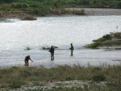 多摩川の釣り人