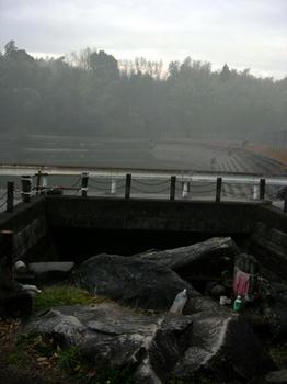 『前池』という池らしい……御陵前池?