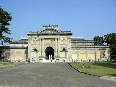 奈良国立博物館本館
