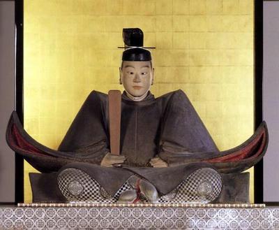 江戸時代に造られた坐像です。