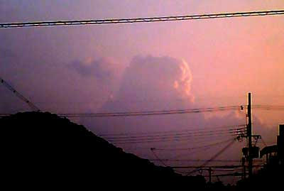 ある夕方の西の空