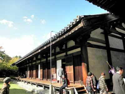これが元興寺の禅室(国宝)です。