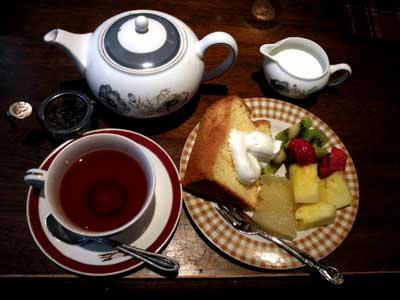 紅茶とシフォンケーキの午後(*^。^*)