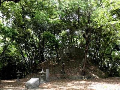 源義家公の墓所