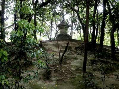 鑑真大和上の廟所