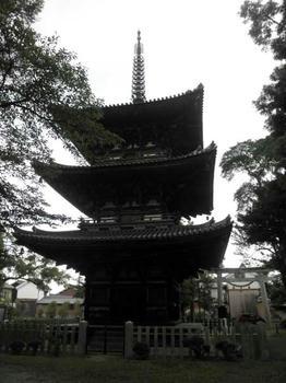 百済寺(広陵町)の三重塔