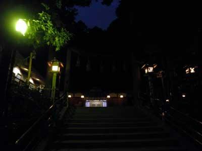 18:30 狭井神社