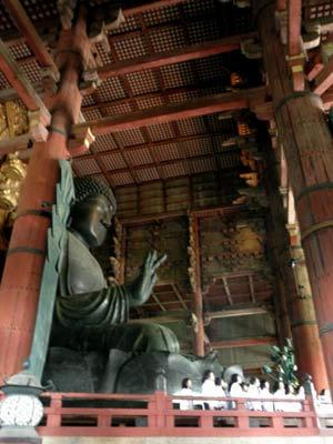 24日、東大寺大仏殿