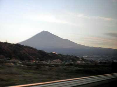富士川辺りから見た富士山