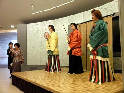 まずは高松塚の美人像から