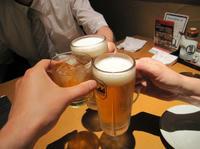 11_焼き鳥居酒屋乾杯.jpg
