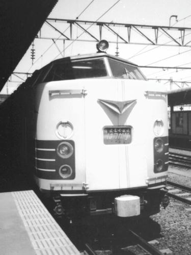 583系・特急はつかり(仙台駅にて)