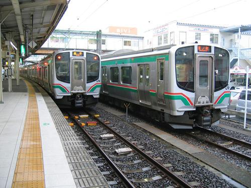 仙山線・E721系0番台そろい踏み