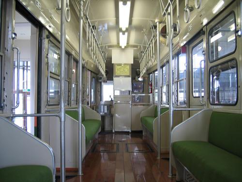 モハ100型(123号車)・室内