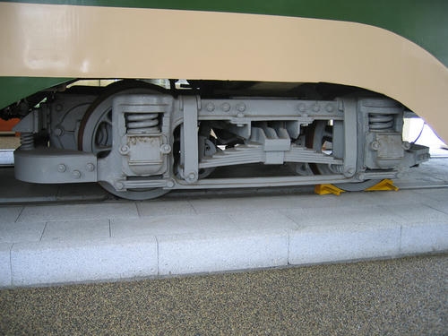 モハ100型(123号車)・台車