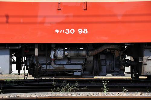 キハ30のDMH17Hエンジン