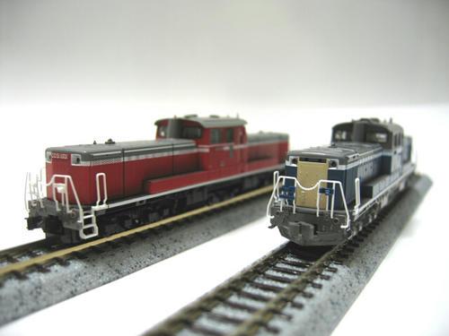 JR西日本(九州)とJR北海道のDD51のカップリングでもあります。