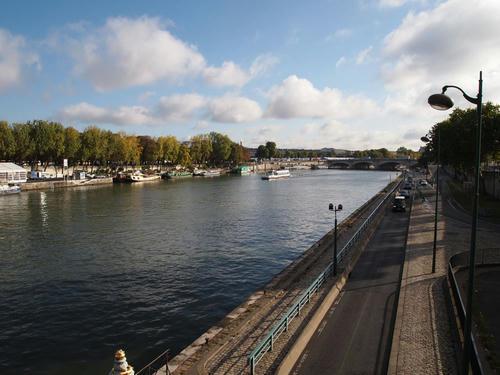 美しきセーヌ河。