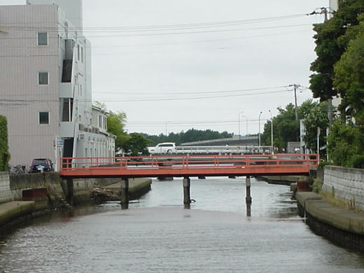 小さい赤い橋1