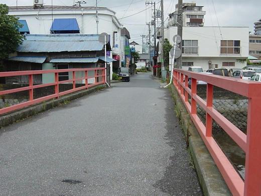 小さい赤い橋2