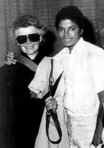 キャサリン・ヘップバーンとマイケル・ジャクソン。
