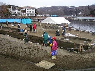 080330_1314_野尻湖発掘調査