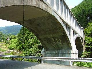 080726_1059_読書発電所施設・柿其水路橋(南木曽町)