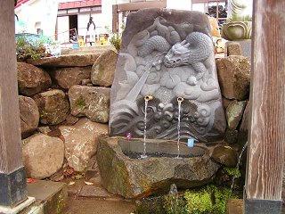 081103_1235_龍興寺清水(木島平村)