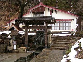 090131_1405_龍興寺清水(木島平村)