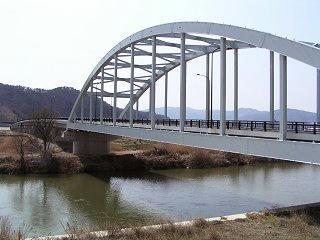 090321_1238_新赤坂橋(長野市・東福寺から撮影)