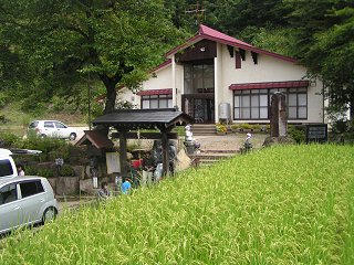 090823_1108_龍興寺清水(木島平村)