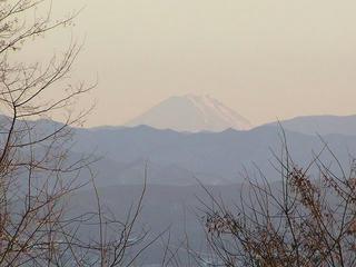 100116_1637_小諸市滝原の浅間サンラインから望む富士山(小諸市)