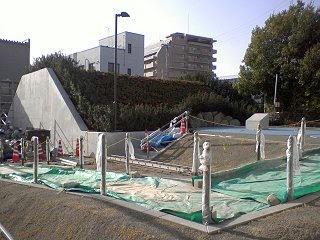 100317_1532_復元作業が行われている土井尻の総掘土塁跡(松本市)