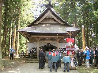 100504_1110_春日山神社御柱祭(長野市)