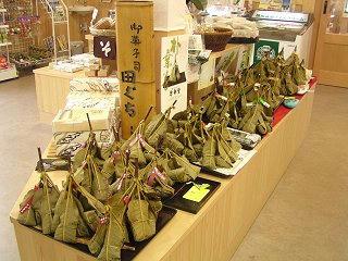 100612_1248_ほお葉祭り・木曽市場会場(木曽町)