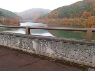 101113_1447_箕輪ダム・もみじ湖(箕輪町)