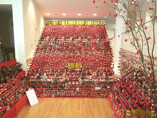 100129_1222_三十段飾り 千体の雛祭り(須坂市)