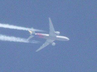 110220_1141_長野市中条上空を飛行するアシアナ航空機767(長野市)