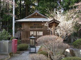 110416_1709_国重要文化財・田村堂(松本市)