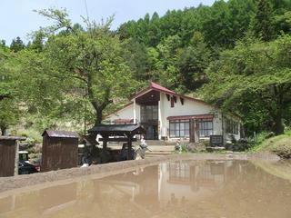 110515_1216_龍興寺清水(木島平村)