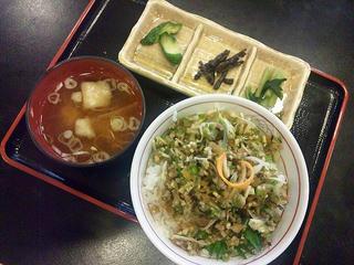 110731_1356_郷土料理・やたら丼(中野市)