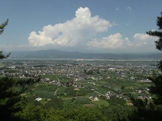 120817_0958_雁田山・二の岩からの眺め(小布施町)