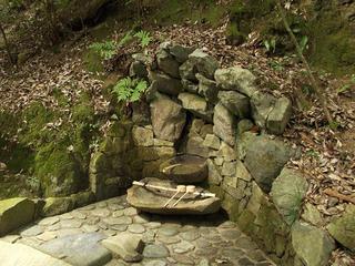 130914_1052_総本山鞍馬寺・義経公息次ぎの水(京都市左京区)