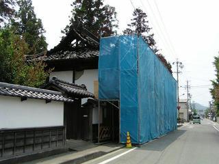 050619_1208_焼失した松代藩家老・矢沢家の表門(長野市松代町)