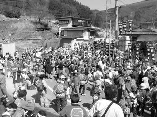 040411_1334_平成16年度御柱祭・萩倉集落(下諏訪町)